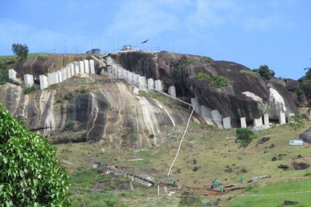 Governo inaugura contenção de rochas e calçamento rural em Rio Novo do Sul