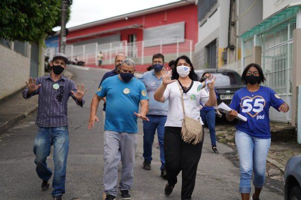 Renata Fiório segue com caminhadas de campanha pelos bairros de Cachoeiro