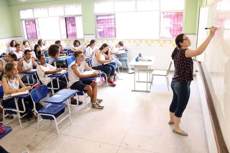 Deputado sugere criação do 4º ano do ensino médio no Espírito Santo