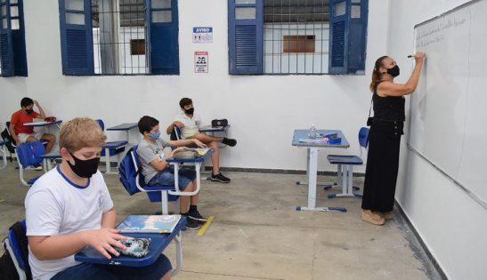 Mais da metade dos alunos de 6º ao 9º ano aderem ao ensino híbrido