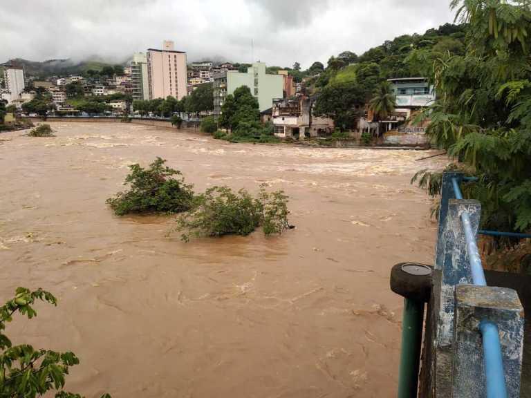 Após poucos dias de chuva, nível do Rio Itapemirim já começa a preocupar