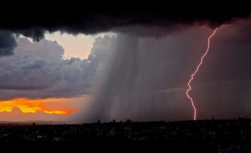 Cachoeiro e mais 32 cidades do sul com risco de temporal e ventania, alerta Inmet