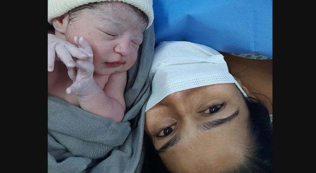 Jovem de Marataízes ganha primeira filha no Dia das Mães