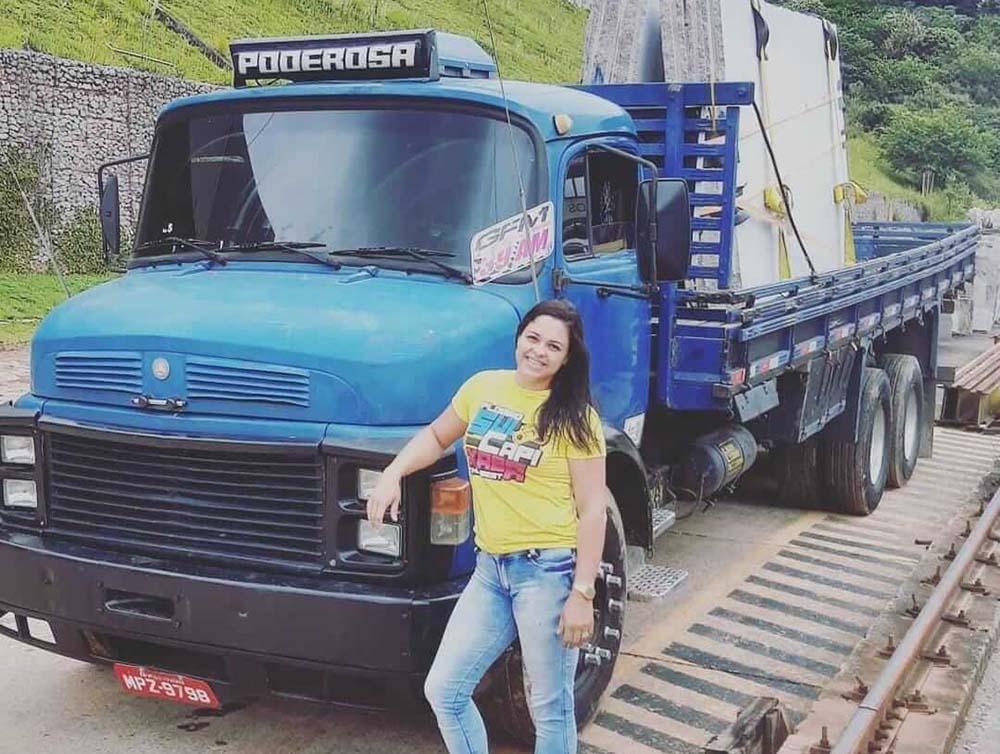 Mãe de três filhos, caminhoneira desbrava rodovias do país