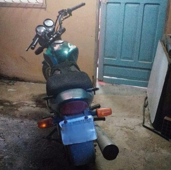 Polícia recupera moto roubada em Jerônimo Monteiro