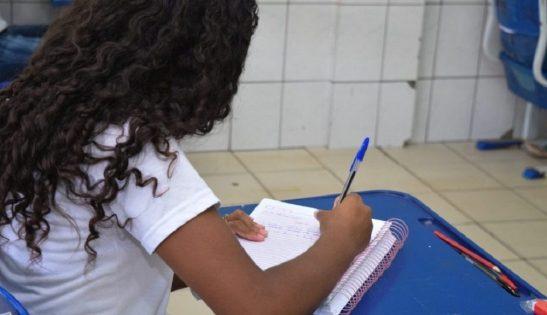 Escolas municipais retomam aulas presenciais