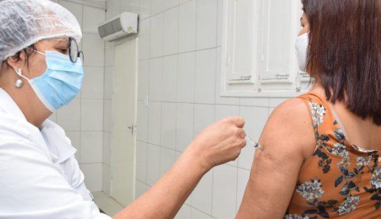 Cachoeiro ainda tem 1,8 mil doses de vacina para público de 50 a 59 anos