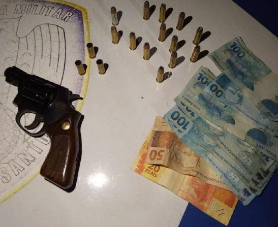 Após briga, casal é detido e arma de fogo é apreendida em Dores do Rio Preto