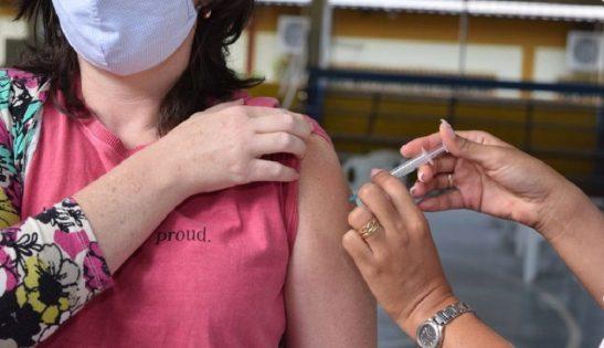 Vacina anti-Covid. Pessoas acima dos 30 anos podem agendar hoje ao meio dia