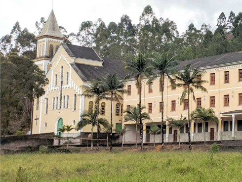 Governo explica como será a reforma do colégio Salesiano, em Vargem Alta
