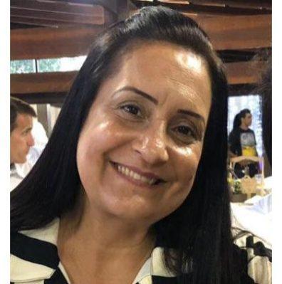 Ana Cláudia Araújo, técnica em Química e funcionária pública