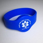 Tap2Tag medical ID wristband with NFC technology.