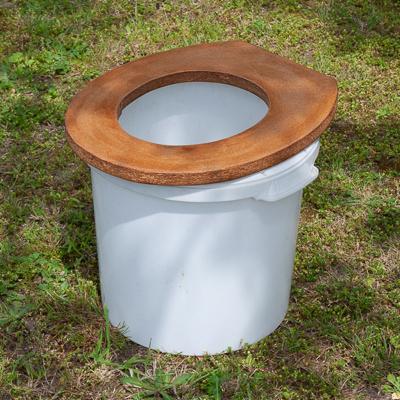fabriquer-et-utiliser-des-toilettes-seches