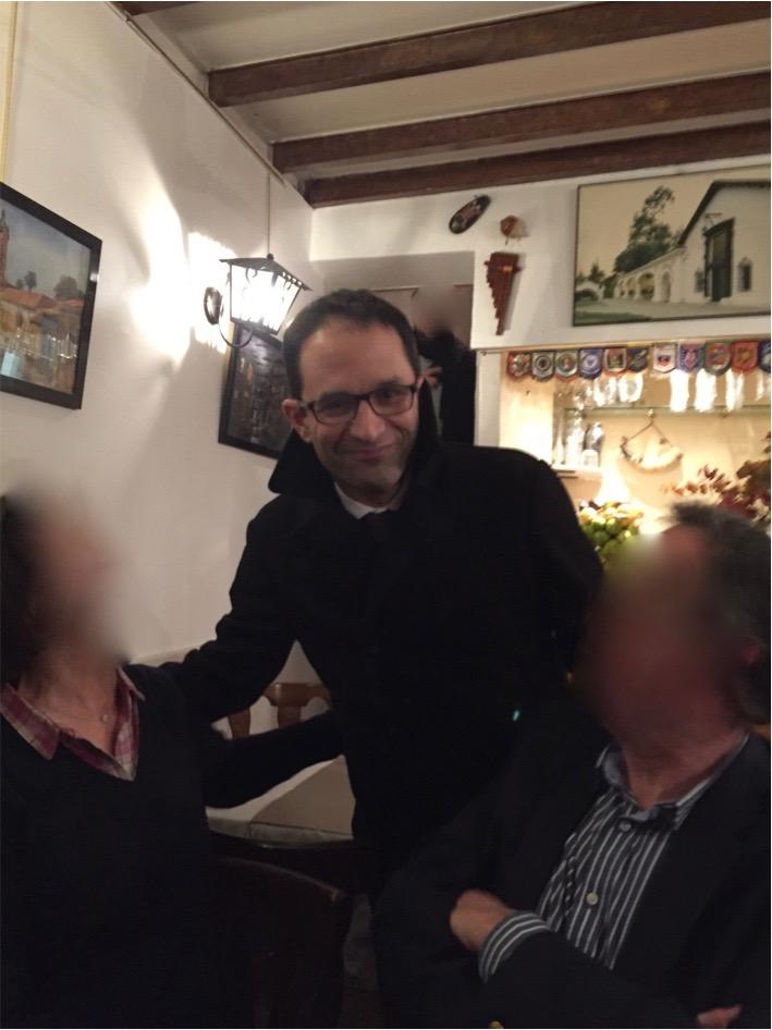 Benoît Hamon, vendredi 24 février 2017, au Moai Bleu, à l'issue de son dîner avec Jean-Luc Mélenchon © Diacritik