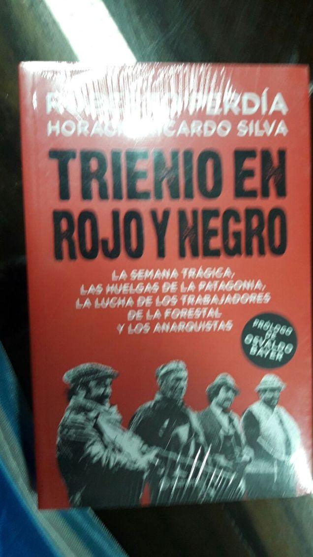 libro trienio en rojo y negro