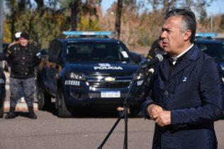 cornejo entrega autos policiales