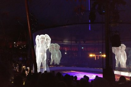 circo-aleman-hologramas-animales-reales-1