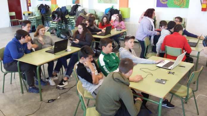 Taller de drons en la Mostra Internacional de Cinema Educatiu de Vilafranca