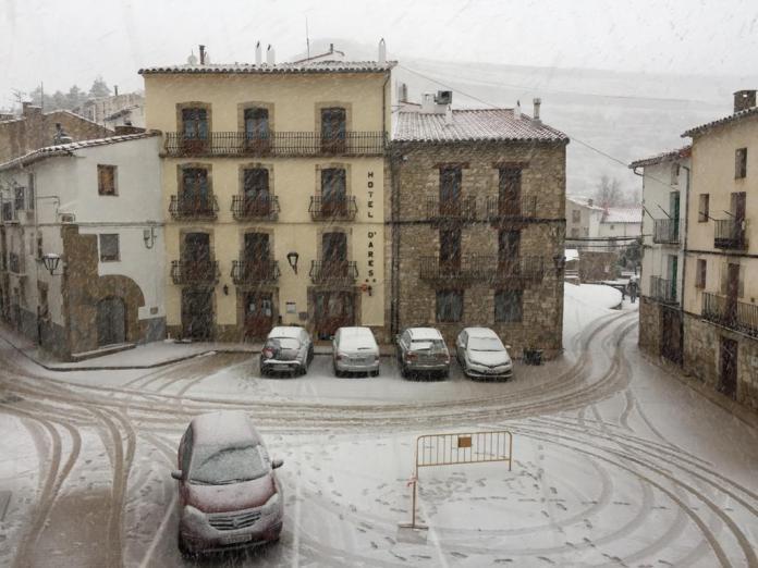Neu a Ares del Maestrat