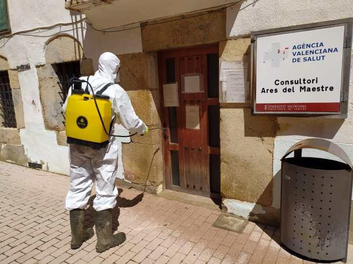 Desinfecció de carrers a Ares del Maestrat