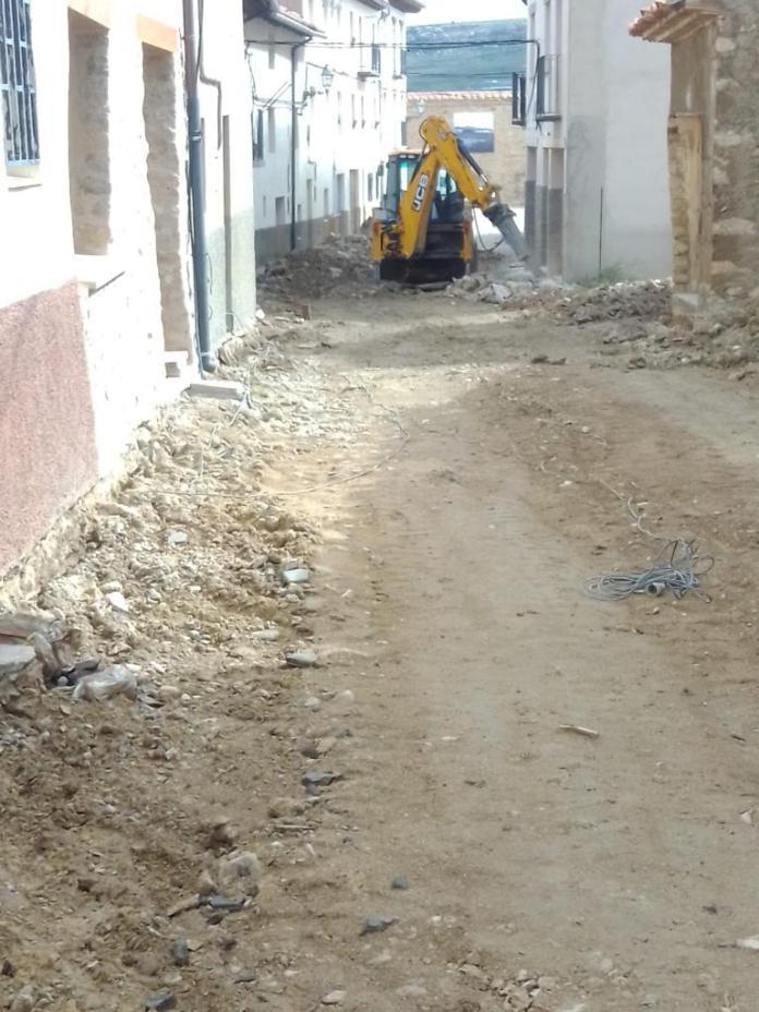 Obras calle Calasanz Rabaza Cantavieja (1)