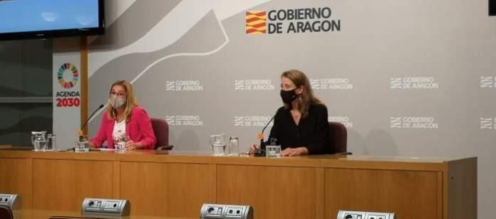 Dolores Fornals y Lucía Soriano en la presentación del estudio
