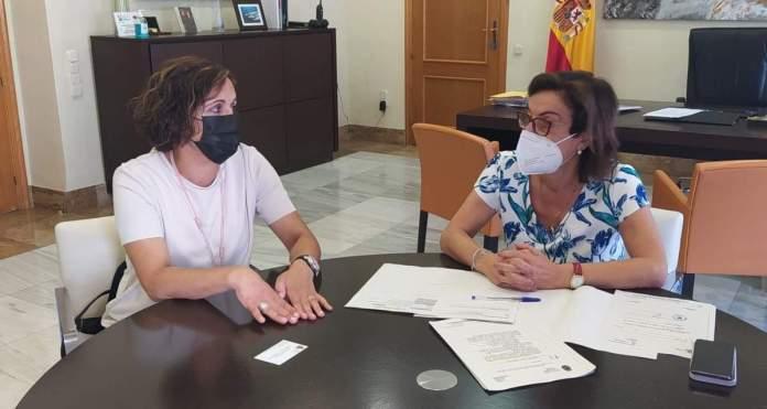 Reunió de l'alcaldessa d'Albocàsser i la subdelegada del Govern a Castelló