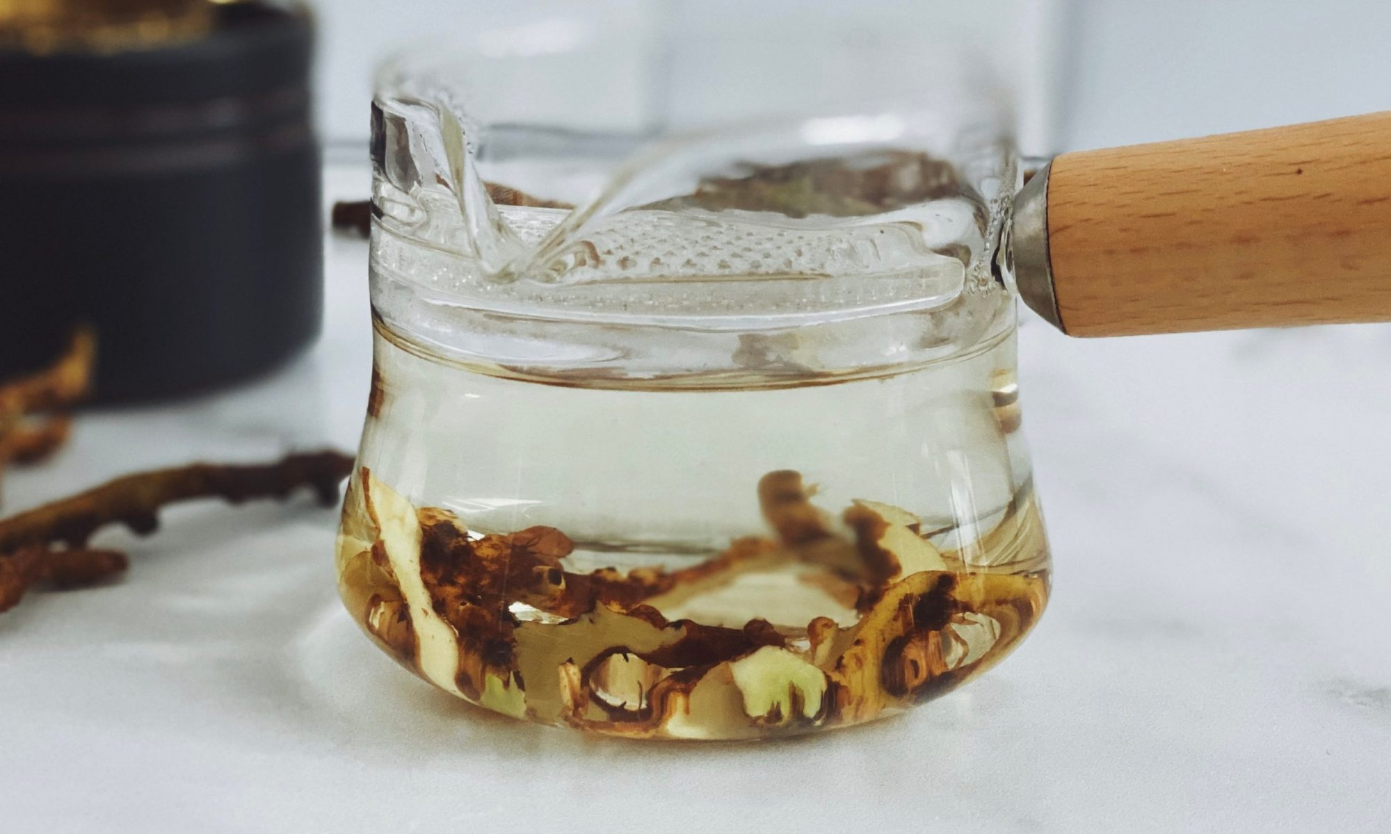 Licorice root tea for stress and digestion