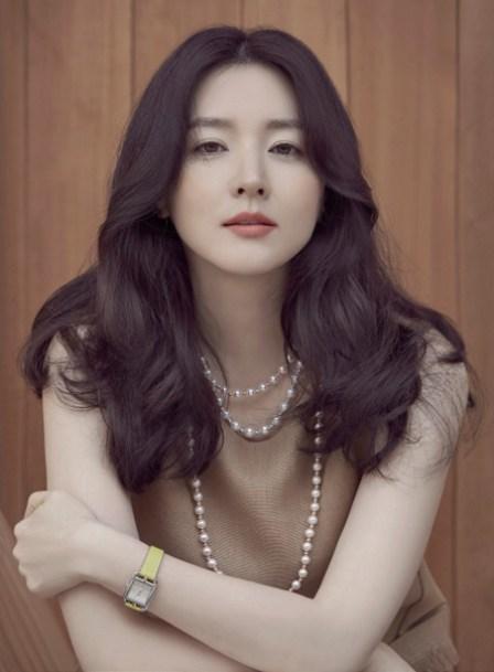 Başrol oyuncusu Lee Young-ae