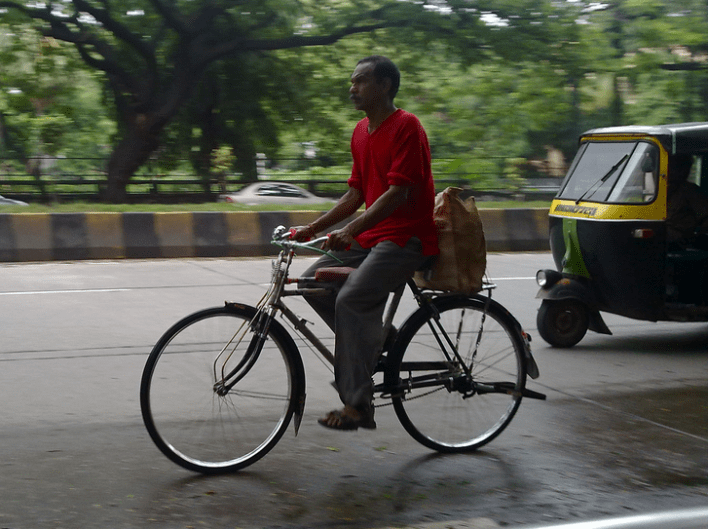 Cycle culture is growing Mumbai despite the inconveniences and dangers (Image by Satish Krishnamurthy)