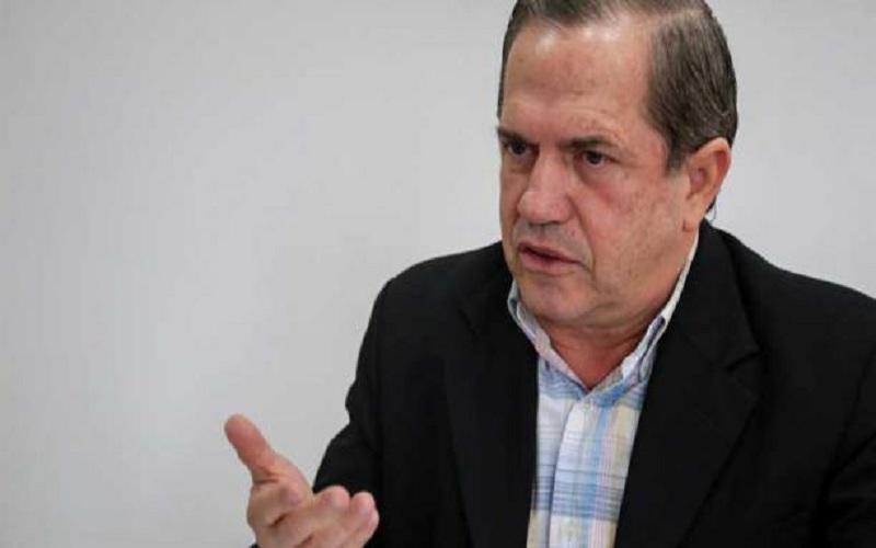 Fiscalía pedirá investigar a la jueza que permitió la fuga de Ricardo Patiño, excanciller de Rafael Correa
