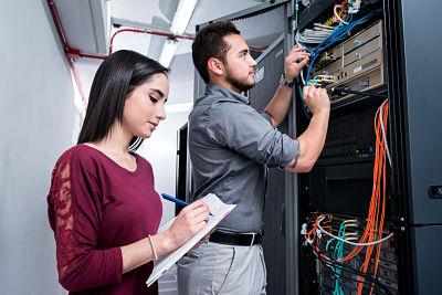 Se ofertan cursos sobre redes e internet de las cosas