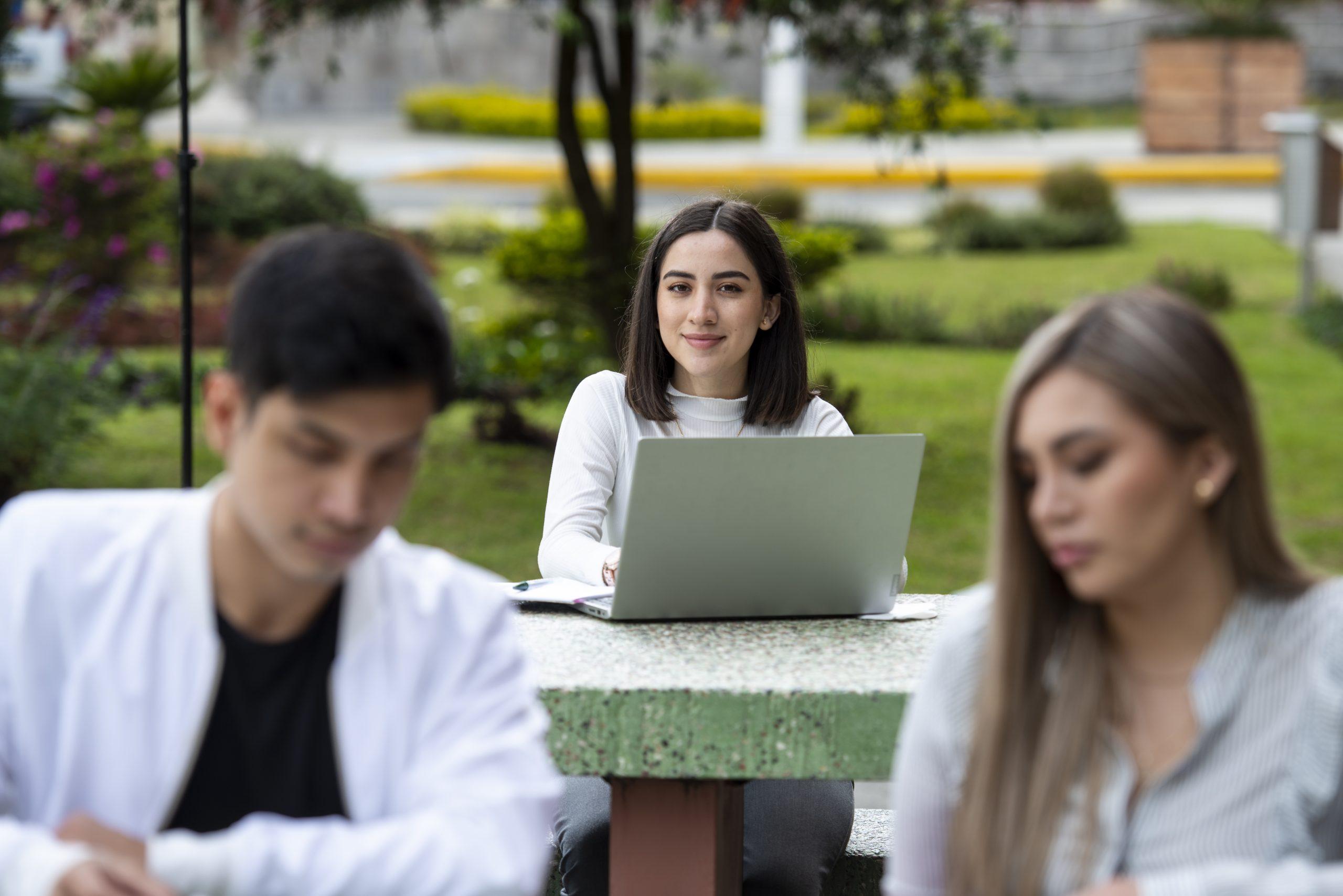 Estudiantes UTPL promueven los derechos de jóvenes a nivel nacional