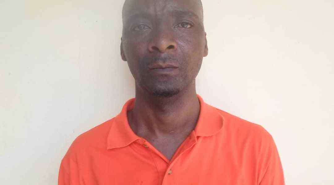 Northern Regional Police CID has arrested a 35 years Mutala Mohammed for claiming to be a specialist heart surgeon and also succeeded in swindling a lady of  12,000