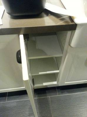 Not so! Using a drawer handle to open a cupboard is uncomfortable!