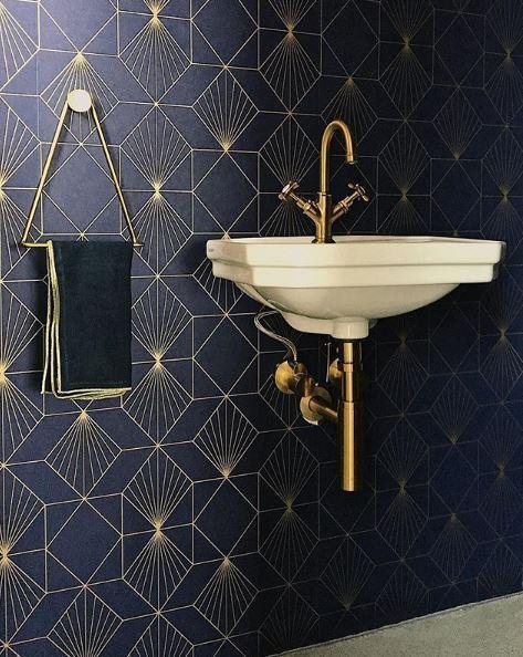 wallpaper feature wall - art deco powder room