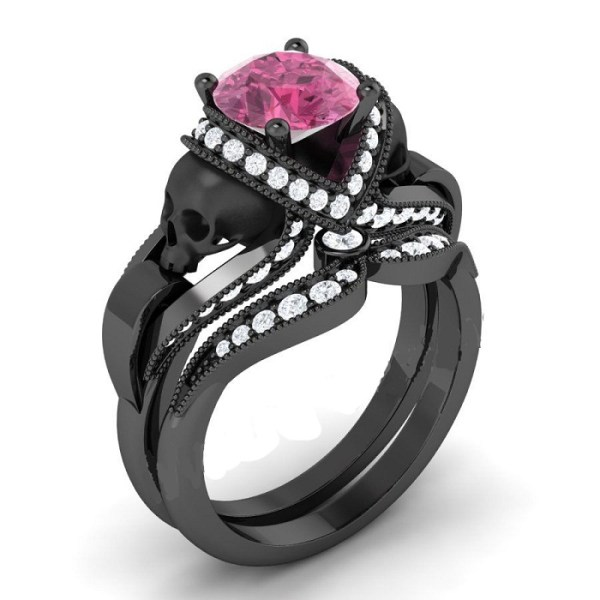 Pink diamond black skul ring