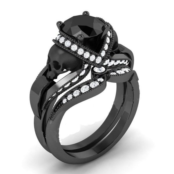 Black Skull Ring with White Diamond