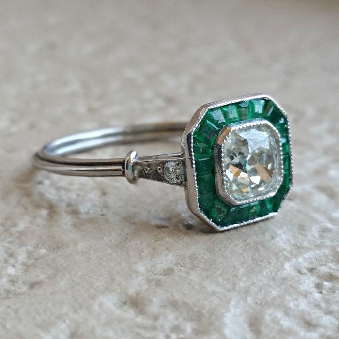 Art Deco diamond & Cushion ring