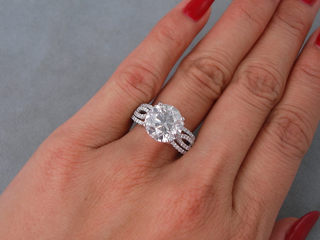 2.00Ct Excellent Cut Moissanite Solitaire Engagement Wedding Ring 925 Sterling Silver