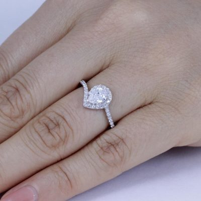 2.35Ct Pear Cut Diamond Classic Halo Engagement Ring 925 sterling Silver