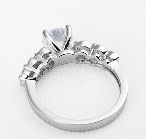 7 Stone Solitaire Round Moissanite Lovely Engagement & Fashion Ring Band 925 Silver
