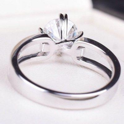 1.45Ct Near White Round Moissanite Split Shank Engagement Ring 925 Sterling Silver