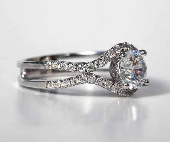 1.35CT Brilliant Cut Moissanite Solitaire Engagement Bridal Ring 925 Sterling Silver