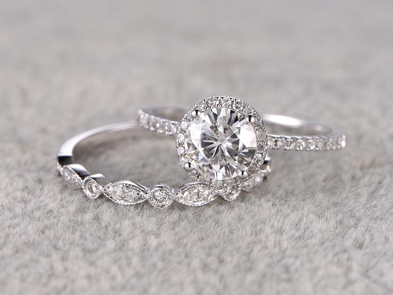1.50Ct Round Cut Moissanite Halo Bridal Wedding Ring Set 925 Sterling Silver