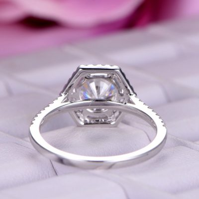 Simple 1.40Ct Near White Round Cut Moissanite Halo Engagement Ring 925 Silver