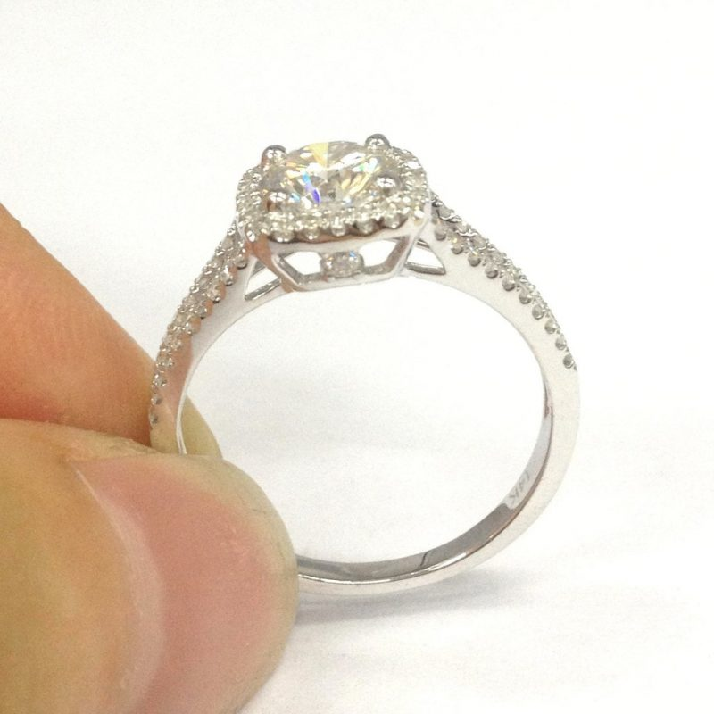 Cushion Shape Off White Brilliant Cut Moissanite Shank Engagement Wedding Ring 925 Silver