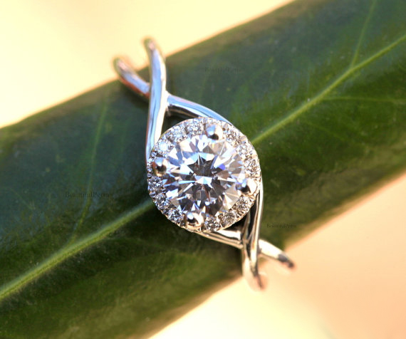 Infinity Round Cut Moissanite 1.05ct Halo Unique Engagement Ring 925 Sterling Silver
