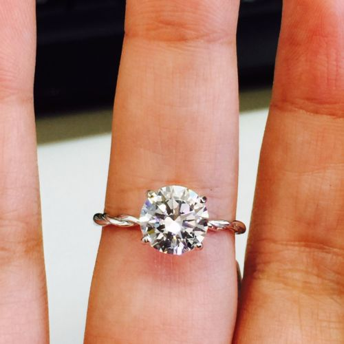 Twist 1.50Ct Solitaire Round Moissanite Simple Engagement Ring 925 Sterling Silver