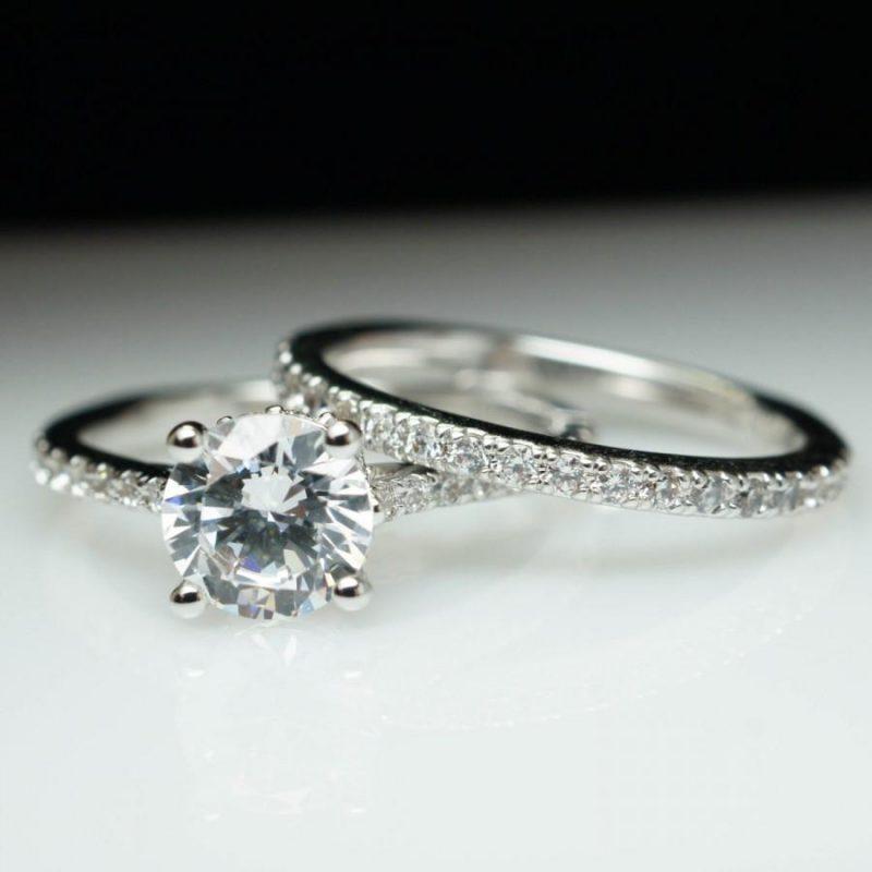 Brilliant 1.60Ct Round Moissanite Engagement Ring Bridal Matching Band Set 925 Silver